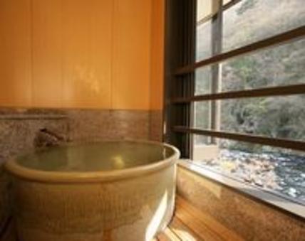 別邸六花・半露天風呂付リバーフロント客室和室タイプ