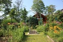 ガーデン全景14
