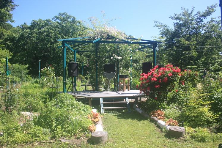 ガーデンステージ