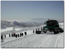 樹氷原ツアー:雪上車に澄川ゲレンデから乗車しアンビリーバボーな白銀の世界へ