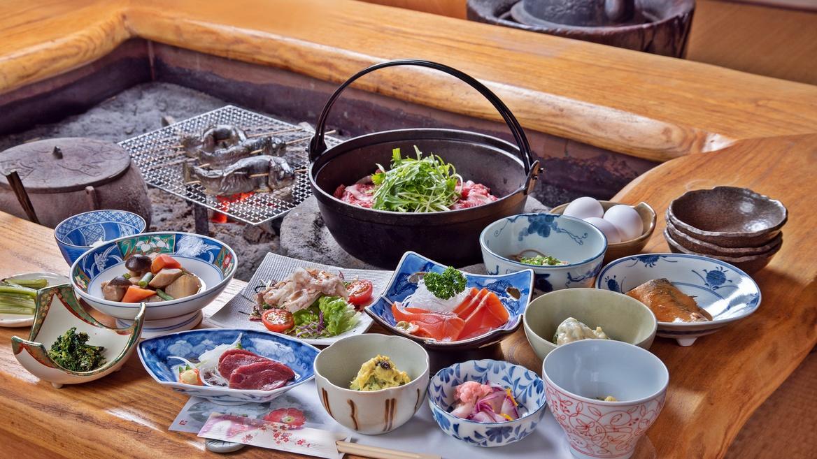 *ご夕食/囲炉裏会席(1日1組限定)川魚網焼き・信州霜降り牛鍋をメインに