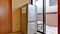 *冷蔵庫/各フロアに空の冷蔵庫をご用意しております