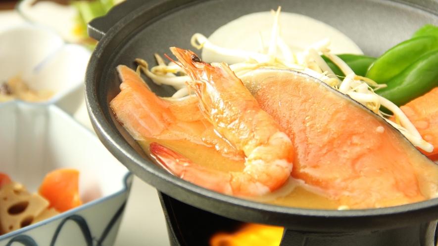 □☆料理_夕食_冬メイン_鉄板海老鮭