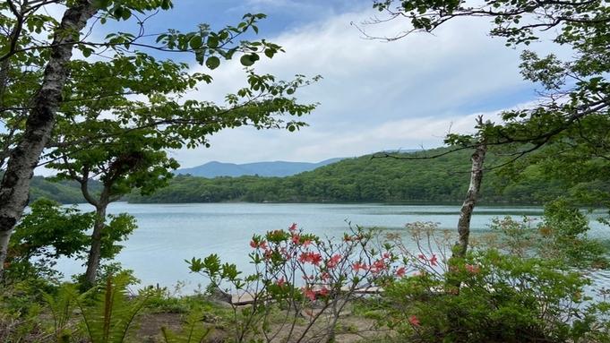 <夕食グレードアップ>メインは信州牛のすき焼き♪全10室の湖畔の静かな隠れ宿で過ごす休日(2食付)