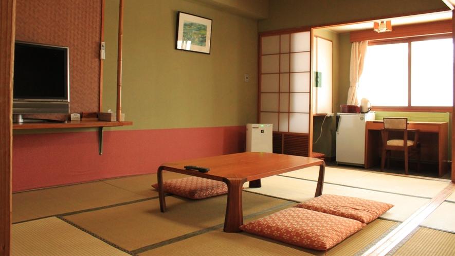 *和室一例/お部屋では、無線LANにてインターネットをご利用になれます(LANカード貸出 無料)