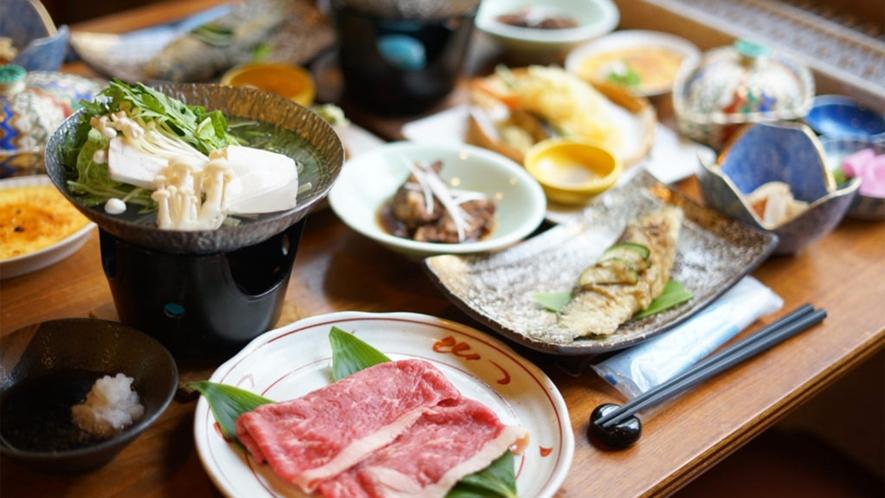 *夕食一例/季節の素材を使用した、 和洋折衷のオリジナルメニューをご用意いたします。