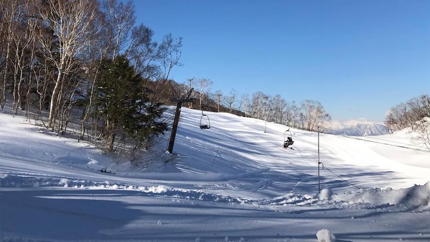 *ゲレンデ/蓮池スキー場、丸池スキー場まで車で4分!ゲレンデまで車で送迎もいたします♪