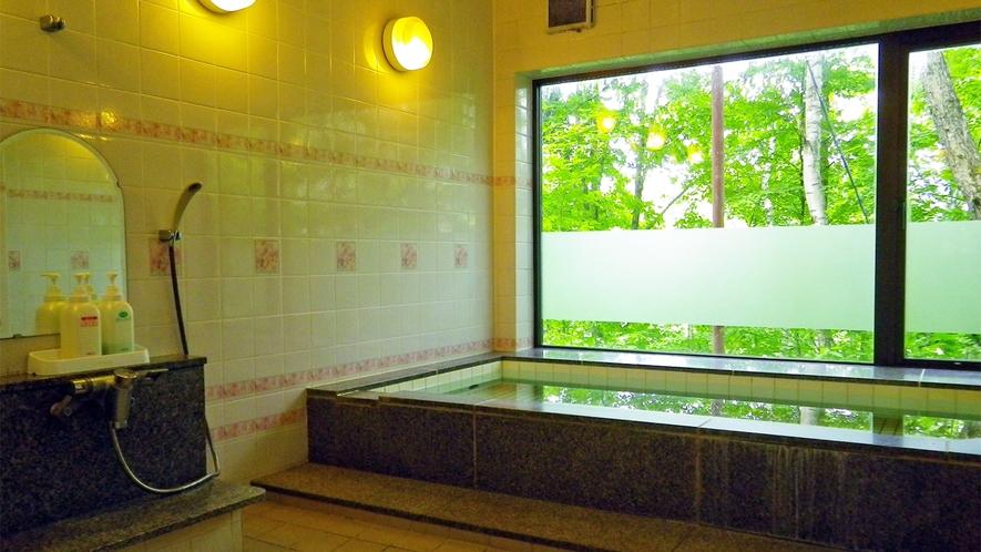 *大浴場:女湯/ミネラル湯の大浴場は、筋肉痛、リウマチ、神経痛などに効果的です。