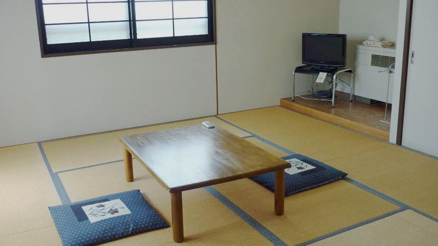 和室8畳(バス・トイレ付)【禁煙】