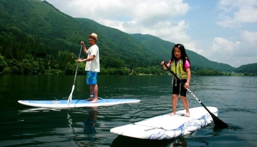 SUP体験は初めてでも大丈夫♪眩い緑、透き通った水、不思議な浮遊感でハッピーになろう!