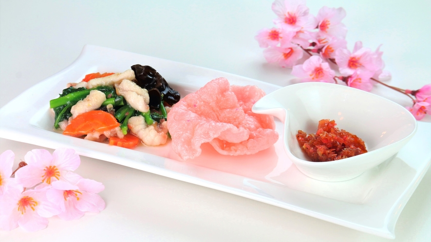 【食事】春の夕食一例。自家製XO醤で作ったイカと菜の花の塩炒め。