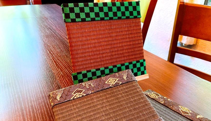 ミニ畳制作体験♪い草と縁の柄を、沢山のカラーから選べます!