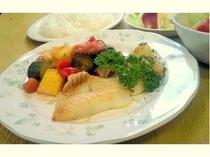 白身魚のソテー 畑のお野菜のトマト煮添え