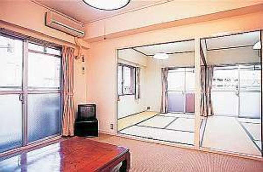 倉敷駅〜徒歩2分★駐車場無料★マンションタイプ和室