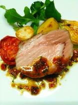 夕食 肉料理一例