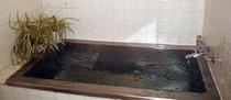 24時間入浴可能、貸し切りも可能な人工温泉風呂