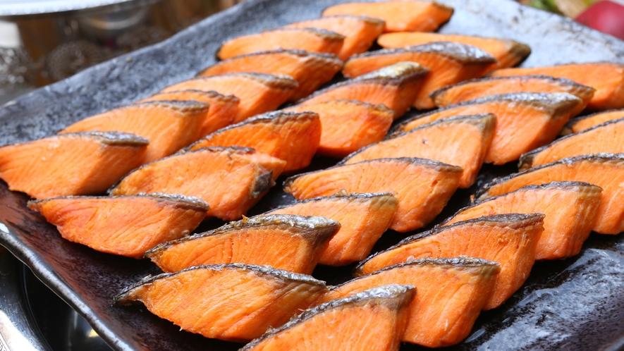 朝食ビュッフェ 焼き魚