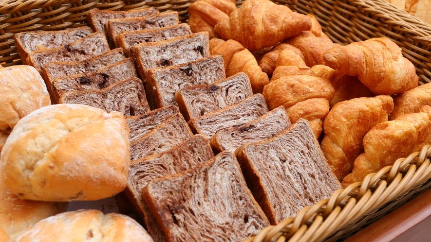 朝食ビュッフェ パン類
