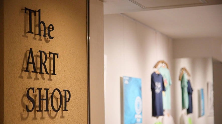 【The ART SHOP/1階】石垣島を含む八重山のアートやカルチャーを発信するコンセプトショップ