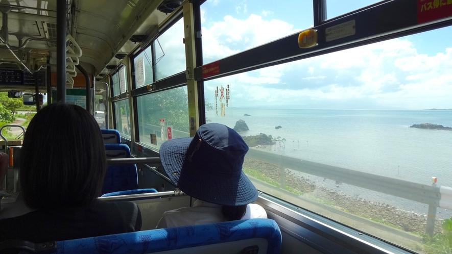 【観光イメージ】ホテルエントランスに路線バスが停まるのでバス旅でも快適!