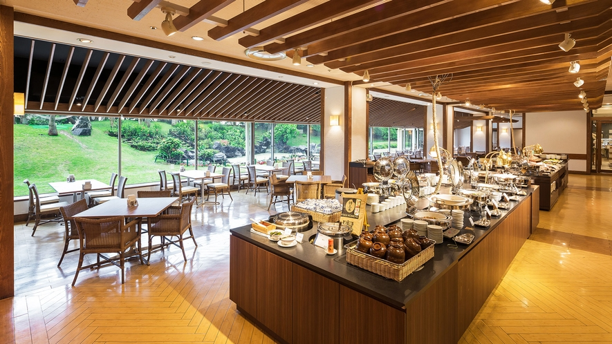 【Allday Dining AQARIUS/1階】ビュッフェスタイルのレストラン(朝・昼・夜営業)