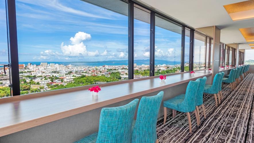 【CAPRICORN/13階】ホテル最上階からの絶景を楽しめる天空カフェ・バー