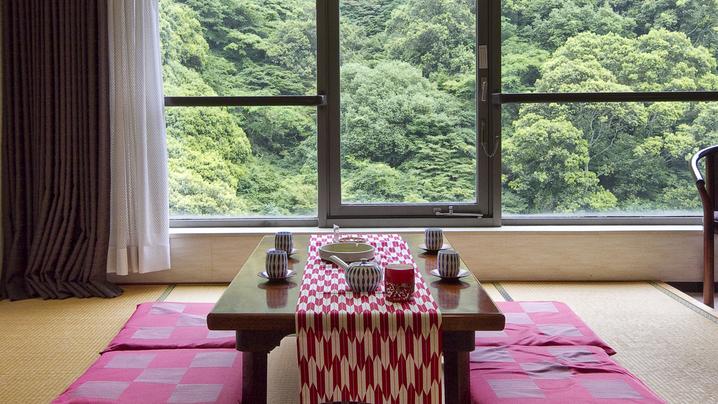 渓谷側の客室もございます。