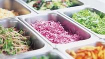 フレッシュな野菜をご用意!「サラダコーナー」(イメージ一例)