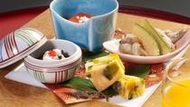 会席料理で提供する前菜:季節料理の盛り合わせ(イメージ一例)