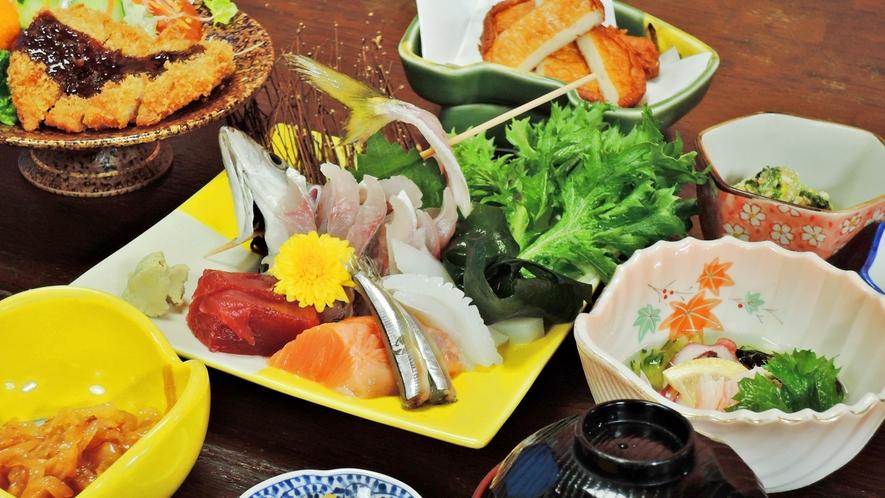 *夕食一例:鹿児島名産の新鮮で美味しいものを日替わりでご提供します
