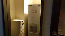 各客室フロアに製氷機をご用意しております