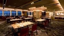 グリル&ラウンジ「レッドフランマ」 オープンキッチンやグリル料理が楽しめるダイニングフロア