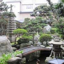 純和風の風情ある中庭