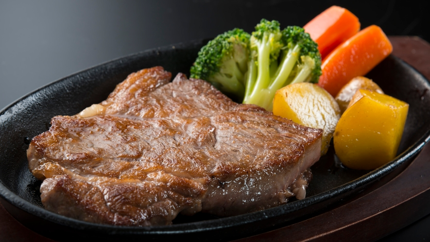あっつあつ!国産牛ステーキ