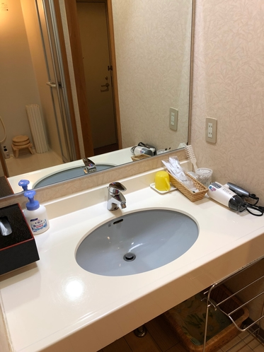 客室洗面です