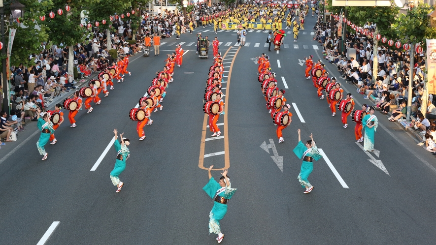 【盛岡・さんさ踊り】岩手県盛岡市にて8月上旬に行われるお祭り。