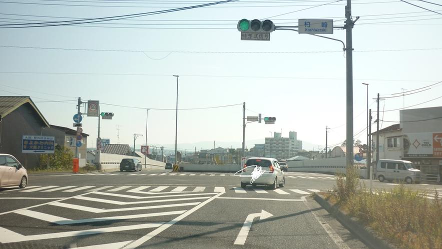 「国道45号線を青森方面から⑤」:2つ目の信号を右折です。