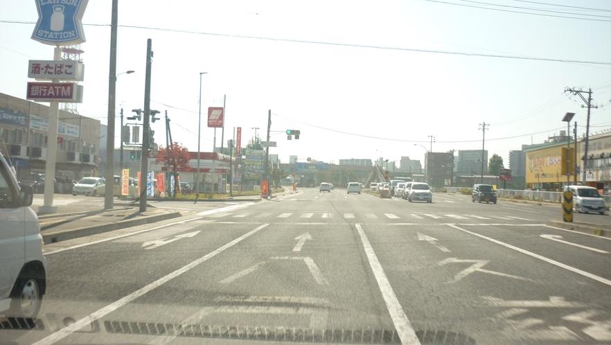 「国道45号線を青森方面から②」:真ん中の車線を走って下さい。