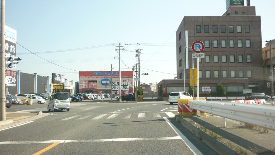 「国道45号線を青森方面から①」:突き当たりを右折です。