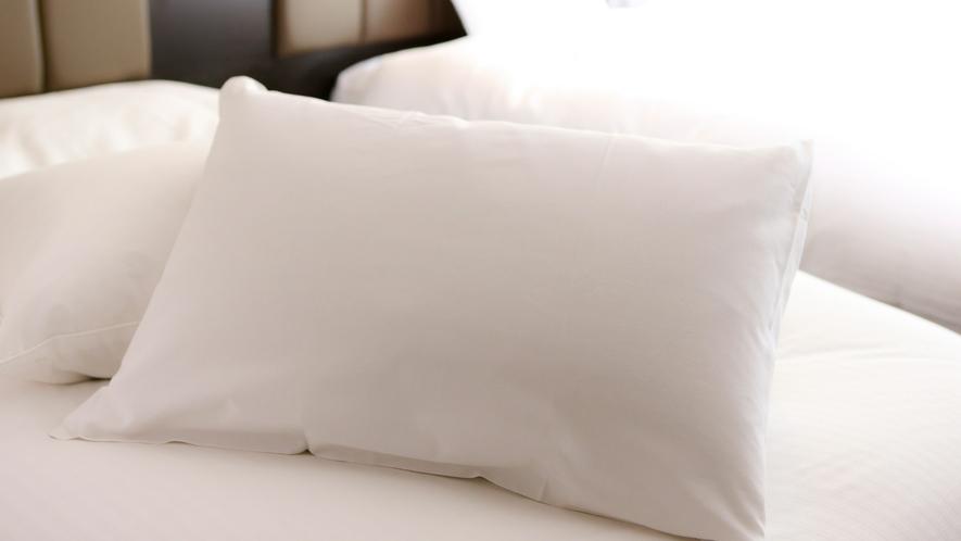 【羽毛枕】 フロントにて貸し出しております。 ※数に限りがございます。