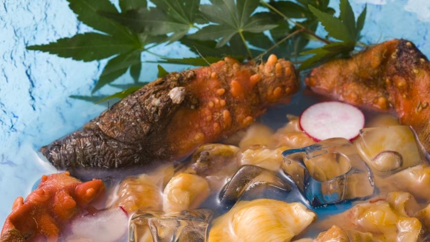 【ホヤ】 「海のパイナップル」と呼ばれ東北三陸地方で広く食されています。