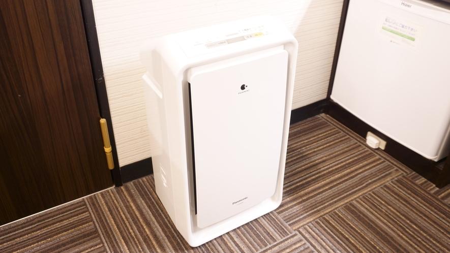 【加湿空気清浄機】 ナノイー搭載Panasonic加湿空気清浄機を全室に設置しております。