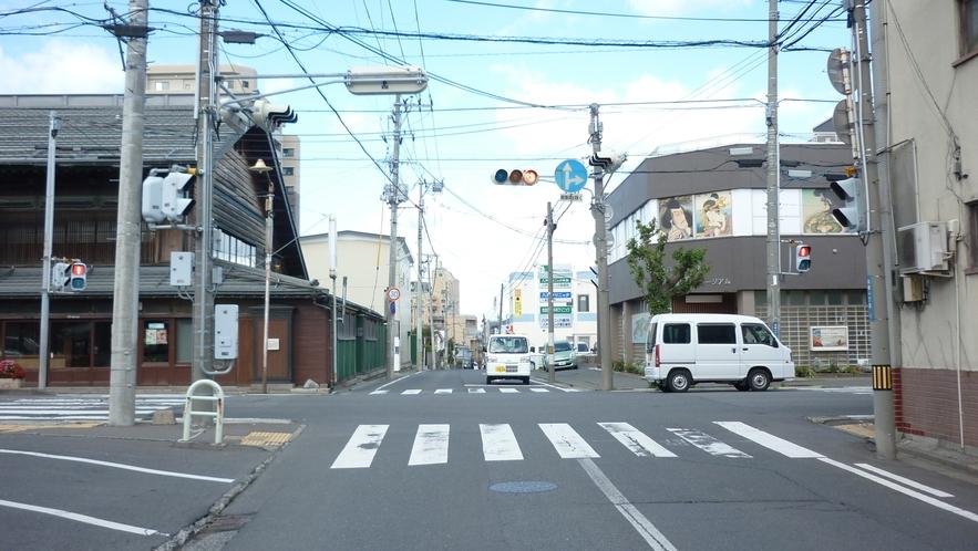 「国道45号線を青森方面から⑦」:次は一つ目の信号を右折すると、すぐ左側にホテルがございます。