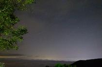 星空と夜景と