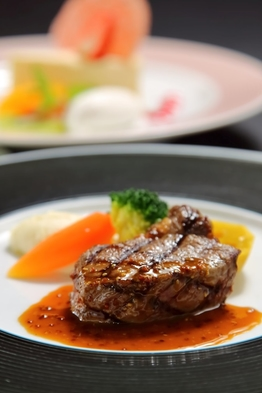 【高知県在住者の方へ7月1日限定】開業24周年記念フレンチ「モンディアルコース」付宿泊プラン 朝食付