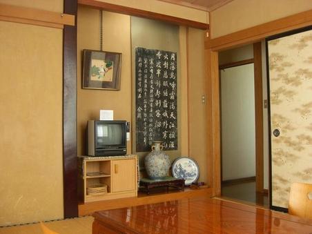 野沢温泉の山が見える和室8畳