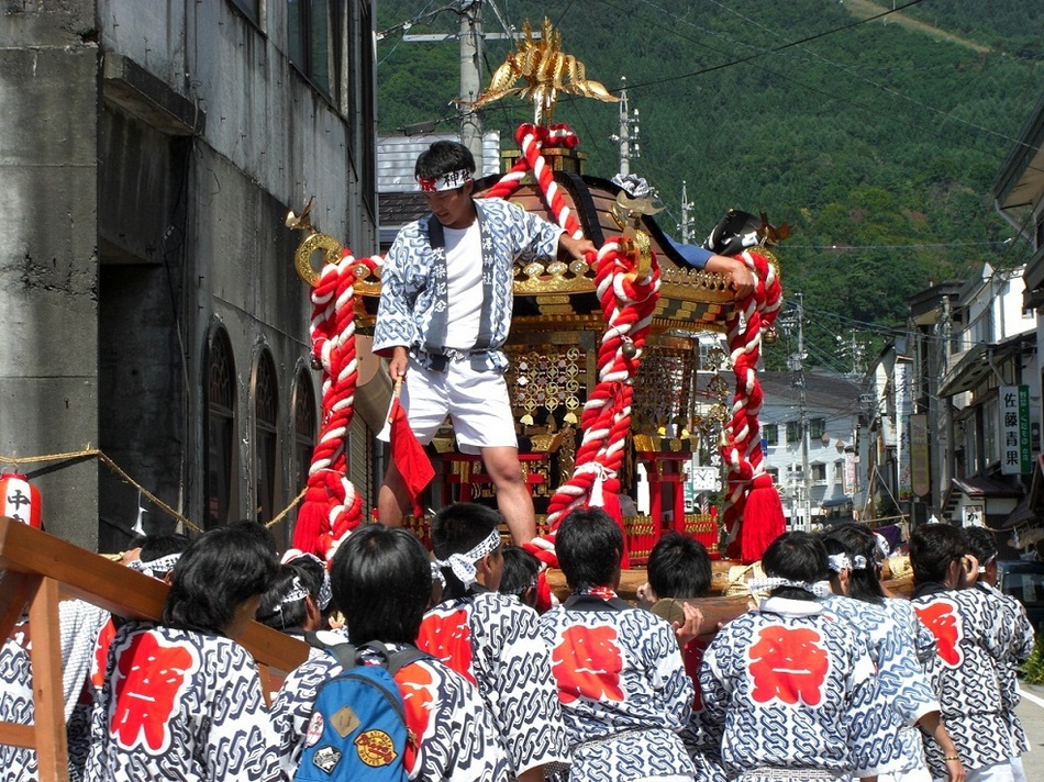 湯沢神社灯ろう祭り