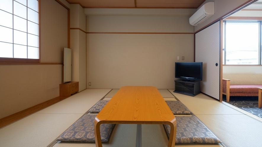 バリアフリー対応広々和洋室(トイレ付/禁煙・ツイン+和室10畳)