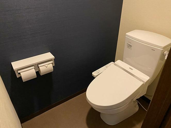 (部屋-トイレ)どのお部屋も 独立したトイレです。(写真とは異なることもございます。)