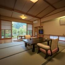 桜館1階【山法師】 限定1部屋の露天風呂と掘り炬燵付き客室です。